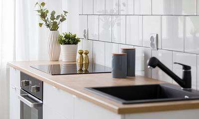 Come pulire la cucina e le piastrelle della cucina